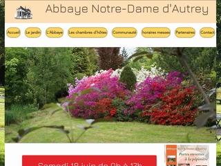 Située en Lorraine, dans la Vallée de la Mortagne, à 74 Km au sud-est de Nancy, dans le département des Vosges, l\'Abbaye Notre-Dame d\'Autrey forme avec ses jardins, un ensemble unique dans un petit village de 300 habitants